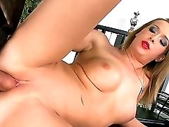 Kitty Cat Couldnt Say No When Her Chief Suggested Her To Have Screw. Now The Teenage Gal Spreads Gams And Gets Twat Tongued Before Sucking Fat Jizz-sh