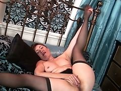 Dirty-minded Lady With Dark Hair Is Blessed To Fingerfuck Her Matures Labia