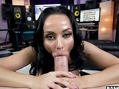 Adult Movie Star Crystal Rush Gets Her Vulva Munched And Gives A Legendary Suck Off