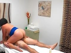 Outstanding Sausage Dealing Rubdown Session With A Hot Masseuse