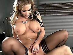 Smokin Hot Nikki Sexx Deliberates With