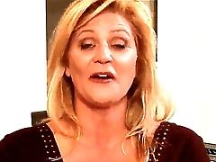Ginger Lynn Indeed Wants To Tempt Mia Presley For Sweet  Lesbo Pleasure