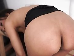 Kayla Louise Is Sporty Beauty Who Is Actually Antsy To Work On Her Twat