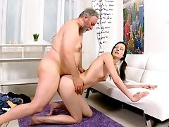 Ponytailed Coed Lets Her Intercourse-starved Paramour Do His Thang